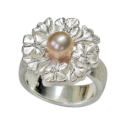 julie ring in silver with fresh water pearl